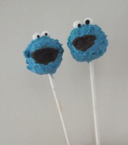 Cookie Monster and his friend Cake Truffle Pops